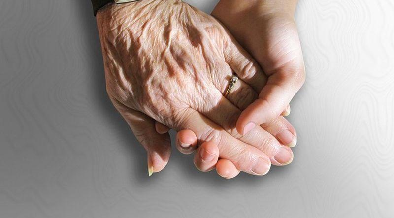 Как оформить недееспособность пожилого человека c деменцией