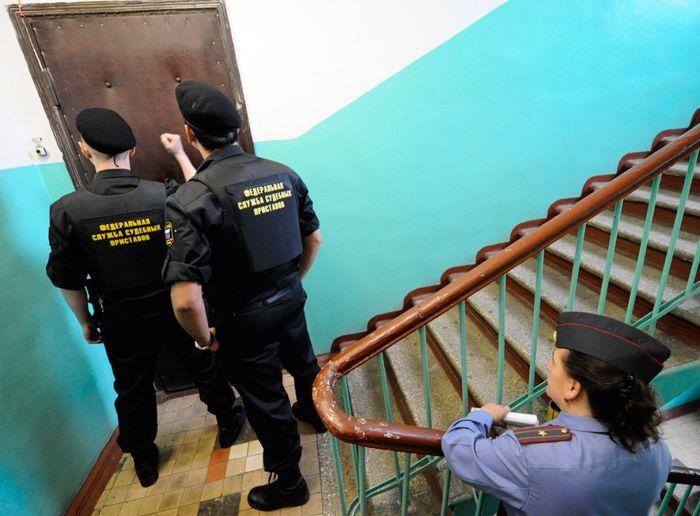 как избежать ареста имущества приставами