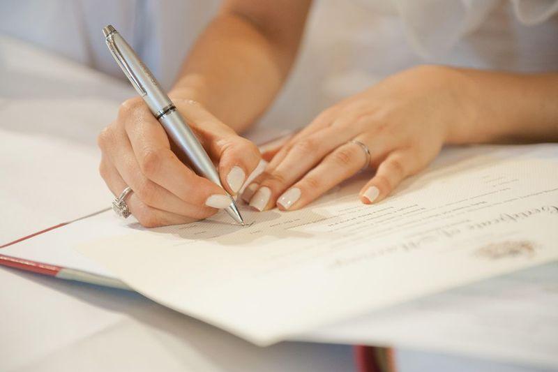 Какие документы необходимо менять при смене фамилии после замужества, как менять