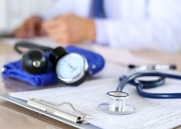 как пожаловаться на действия врача в поликлинике