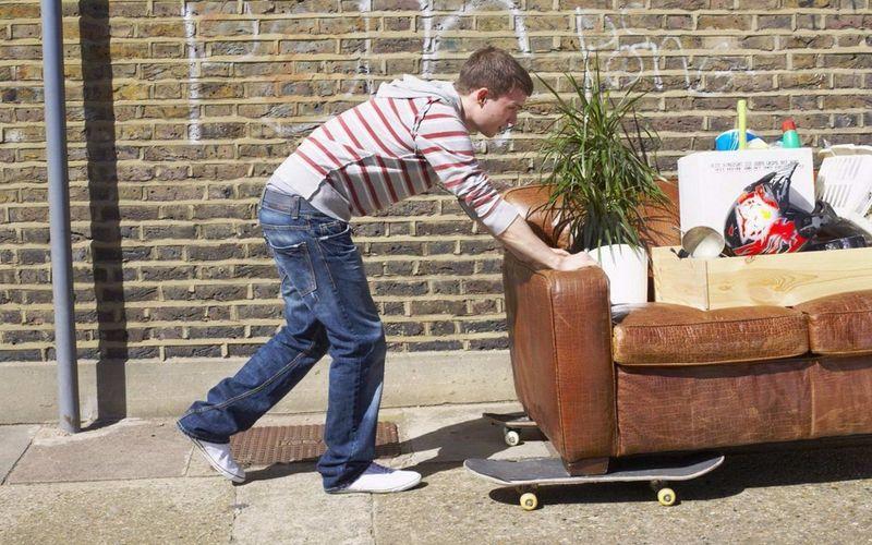 Как выселить человека из квартиры основания образец иска правила